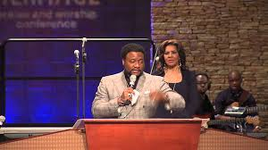 eddie long awarded Vision Lifter Award
