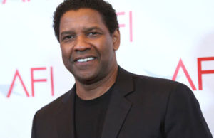 Denzel Washington Meets An 86-Year-Old Fan In Chicago