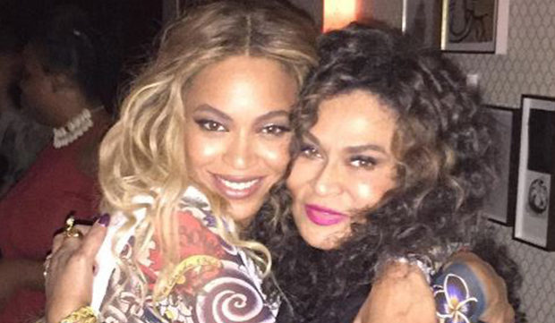 Stars Are Just Like Us: Beyoncè, Jay Z And Mama Tina DoThe Electric Slide