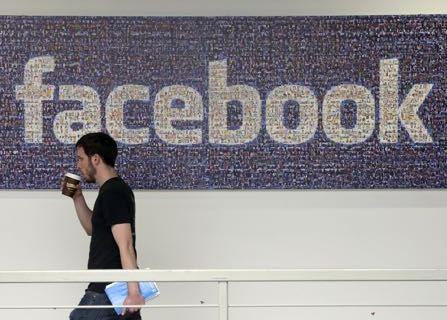 Mark Zuckerberg Apologizes For Facebook Breach