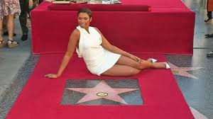 Jennifer-hudson-walk-of-famie-star