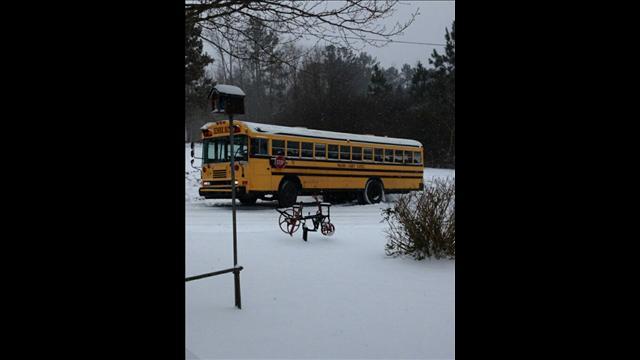 atlanta-snow-jam-school-bus-stuck