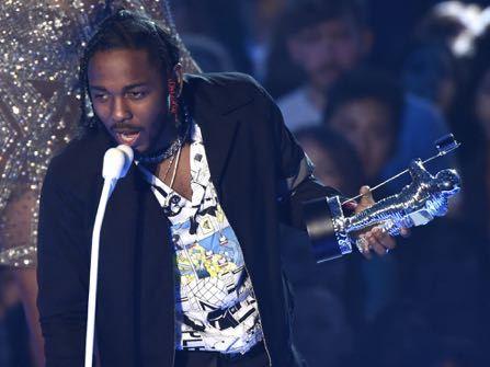 Kendrick Lamar Wins 6 MTV Music Awards