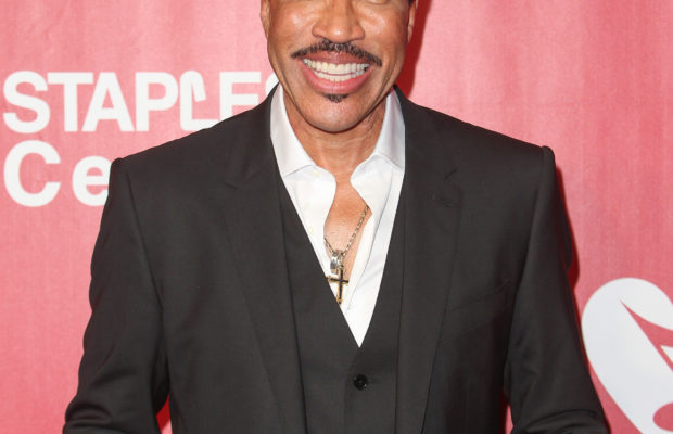 Lionel Richie Gains Rights To Curtis Mayfield Biopic