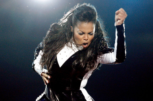 Fans & Plastic Surgeon Fear Janet Jackson's Nose Is 'Collapsing!'