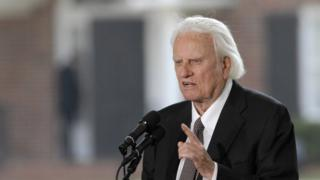 Billy Graham: Influential US evangelist dies at 99