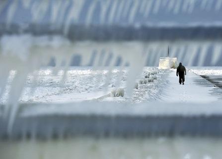 Snow Falling Across Upper Midwest Leaves Roads Treacherous
